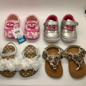 Shoes - ⭐️Host Pick⭐️ 4 pairs of baby girl shoes